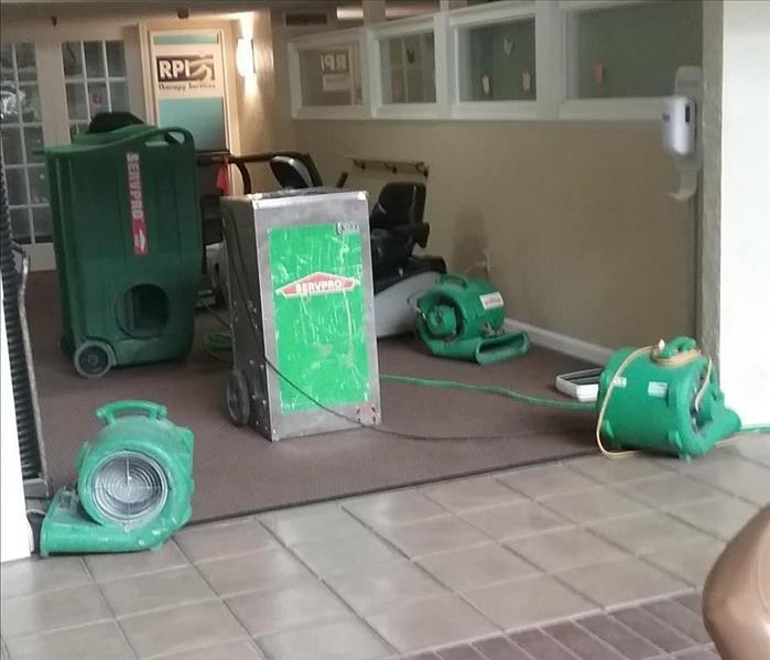 Equipment set to dry out a water damage